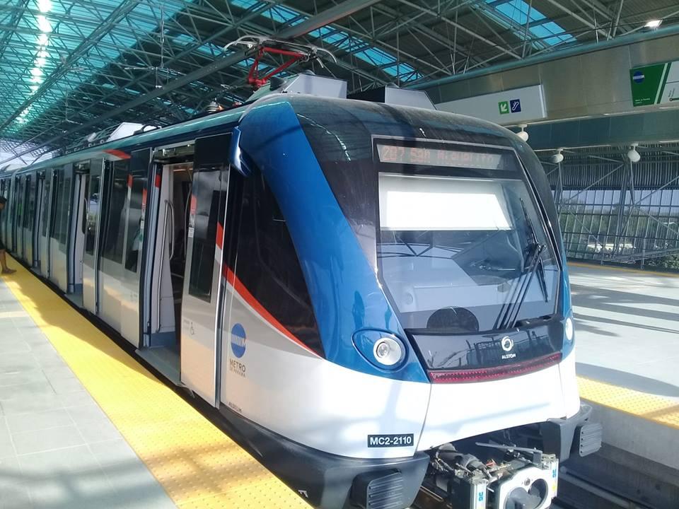 Corredor Sur metro station