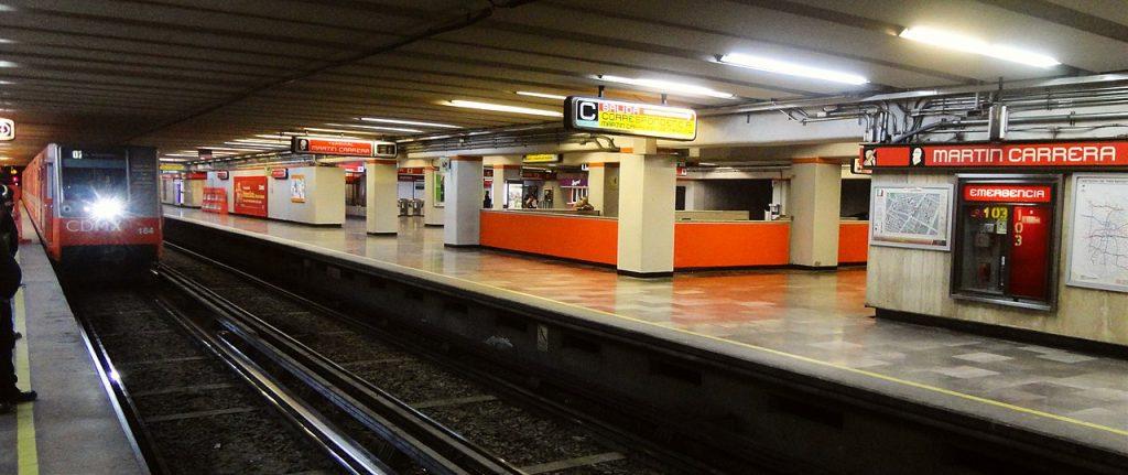 Martín Carrera metro station