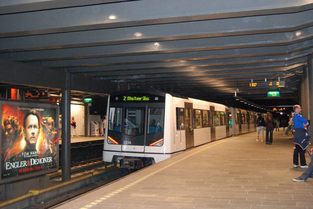 Nationaltheatret station