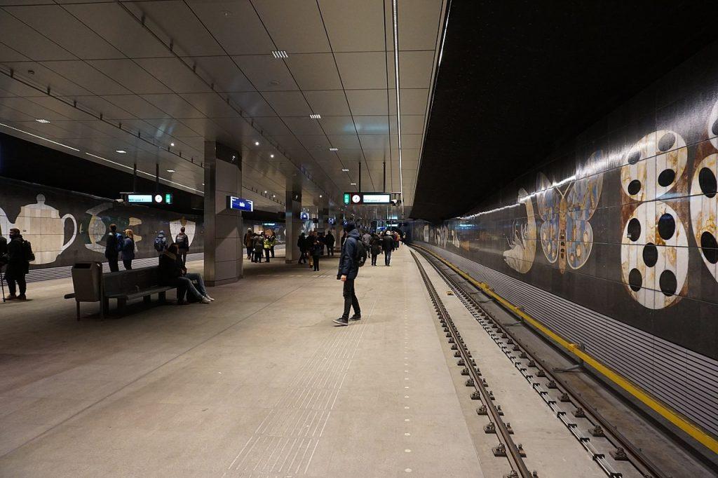 Rokin station