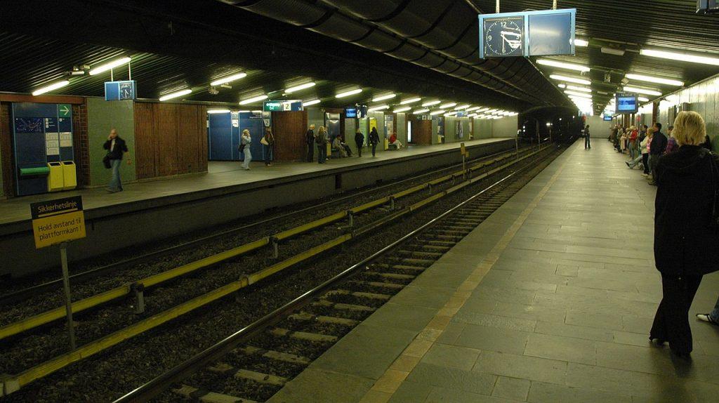 Tøyen station