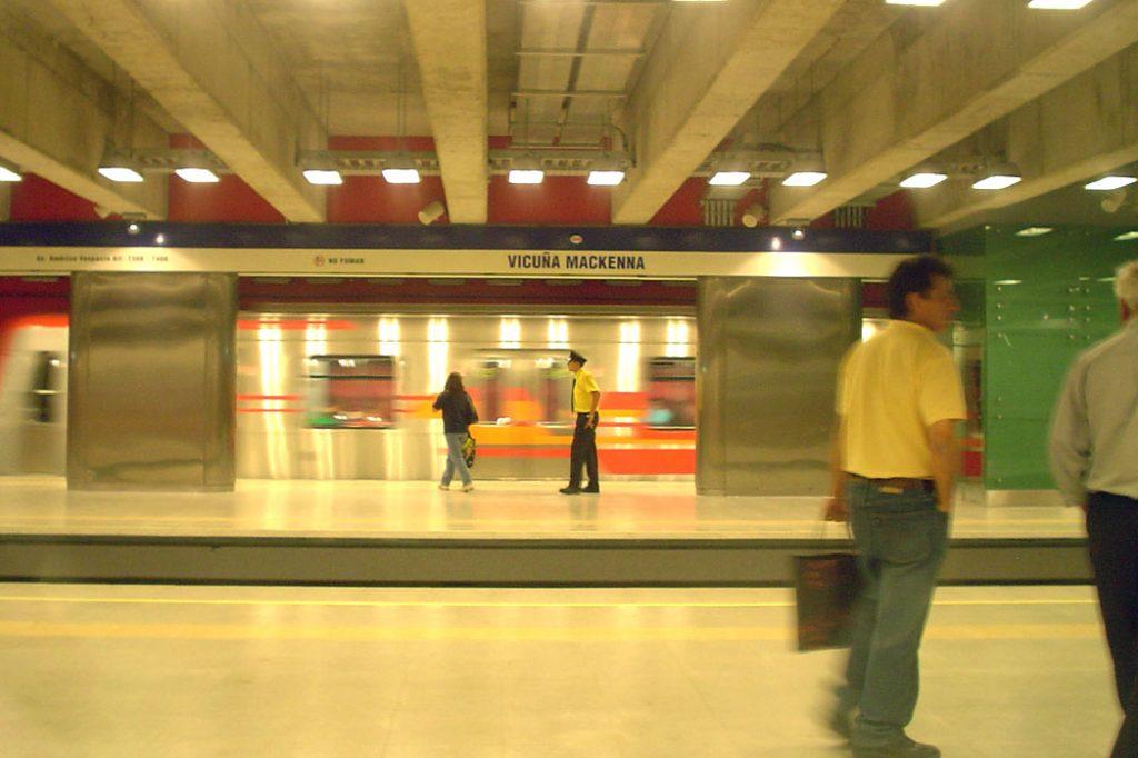Vicuña Mackenna metro station