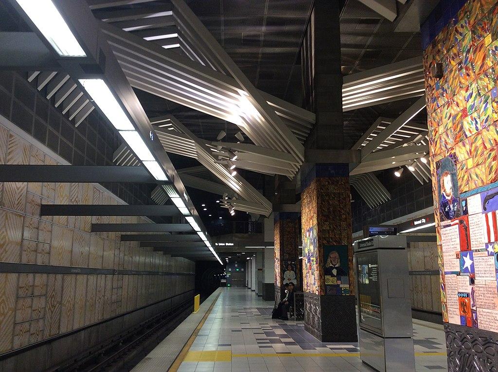Universal City / Studio City station