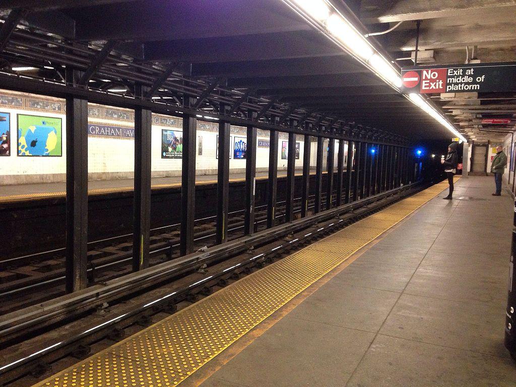 Graham Avenue station