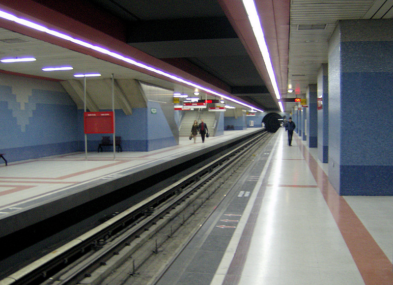 Kızılay subway station