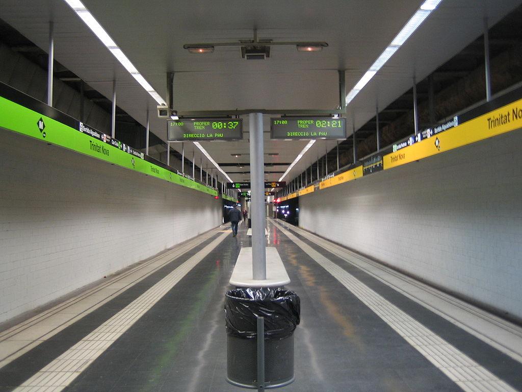 Trinitat Nova station
