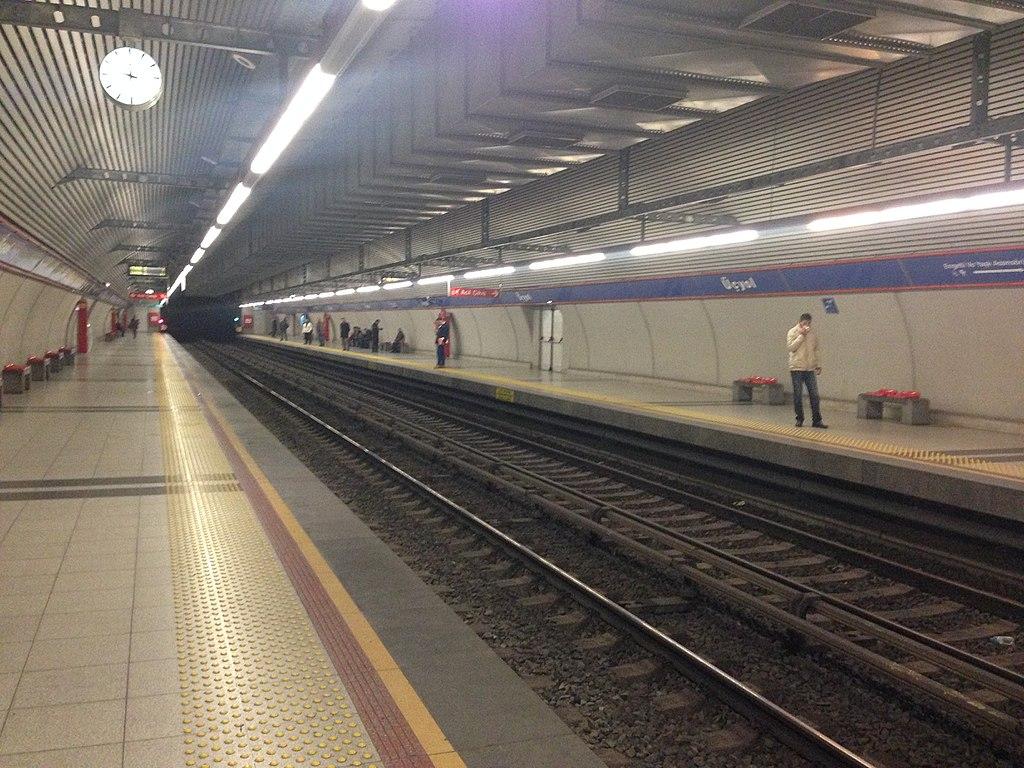 Üçyol station