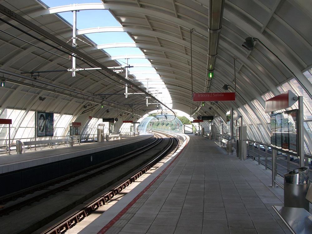 Urbinaga station